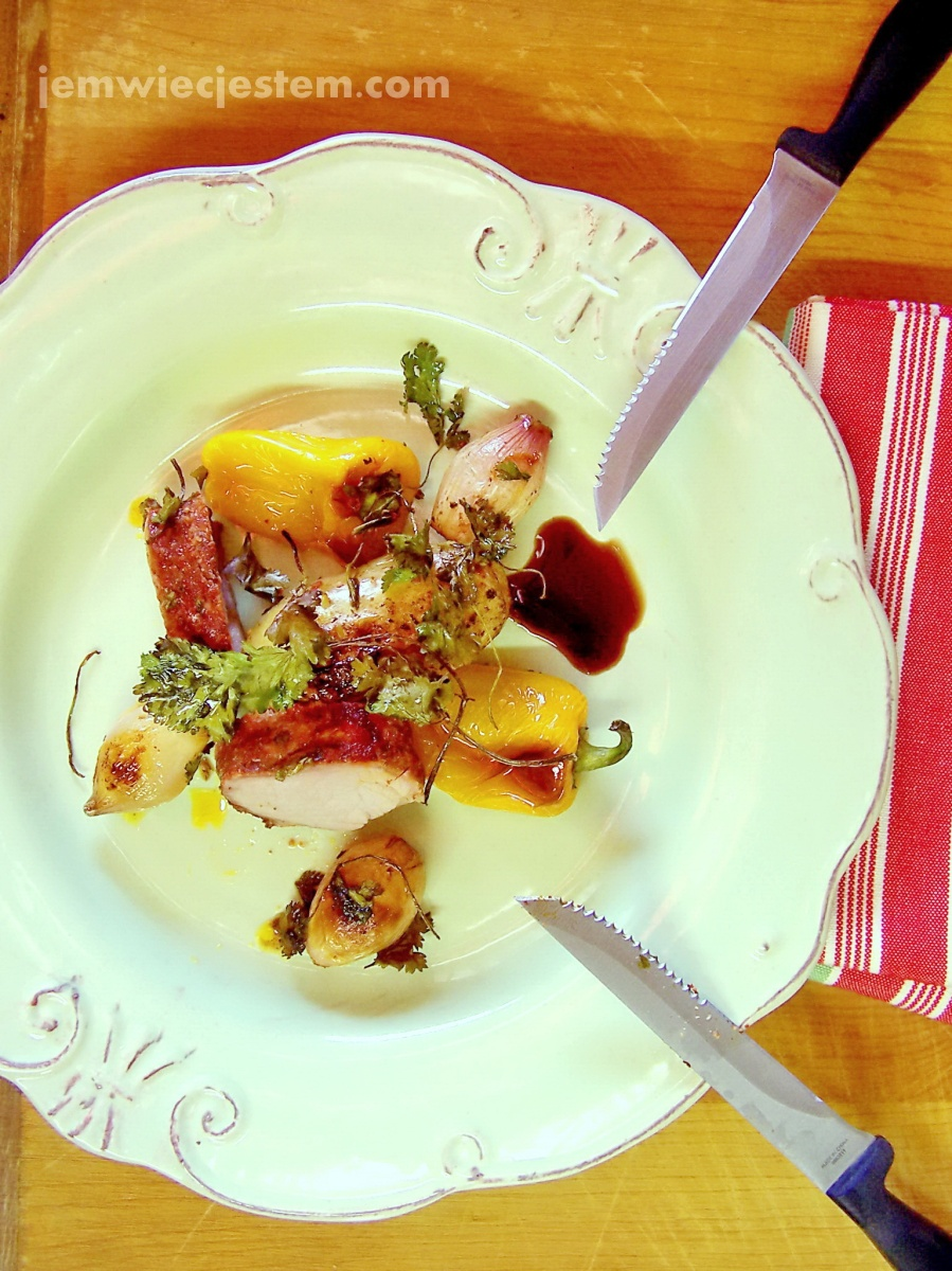 Czy polędwica wieprzowa pieczona z warzywami to współczesny wielkanocny obiad?