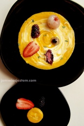 Eat fruits... Jedzcie owoce...