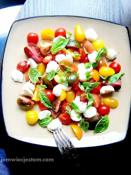 07 22 13 caprese salad (1) JWJ