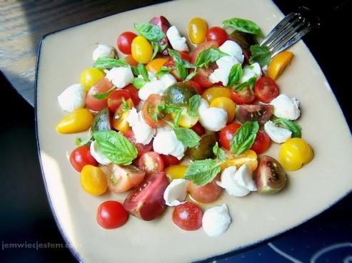 07 22 13 caprese salad (7) JWJ