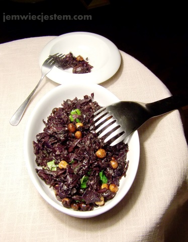 03 30 14 caramelized red cabbage hazelnuts (9) JWJ